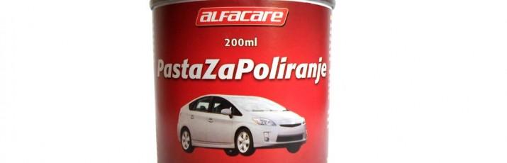 Ogrebotine ispod kvaka vrata, na farovima ili na drugim mjestima vozila uklanjamo s pastom za poliranje iz Alfacare asortimana