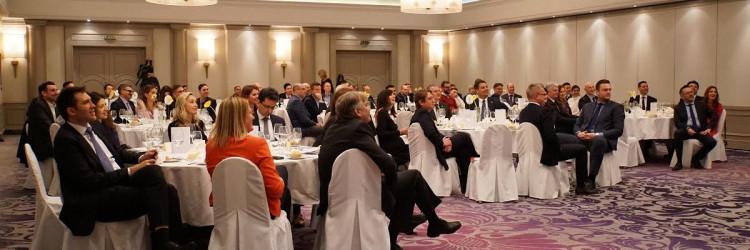 Kanadsko-hrvatska poslovna mreža (Canadian Croatian Business Network – CCBN) je udruga osnovana 2010. s ciljem poboljšanja i jačanja odnosa između kanadskih i hrvatskih poslovnih ljudi
