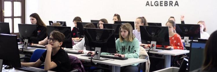 DigiGirlz dan se održao u Algebra Labu u Zagrebu, a sudjelovalo je 60 učenica osnovnih i srednjih škola iz Zagreba i okolice