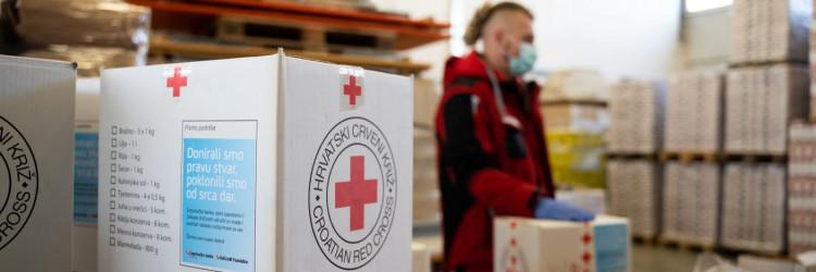 Hrvatski Crveni križ kroz mrežu od 130 lokalnih društava pomaže više od 10 tisuća kućanstava diljem zemlje koja su socijalno ugrožena