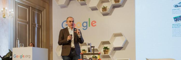 Projekt Digitalni građanin 2.0 nastavak je projekta Digitalni građanin koji je IRIM provodio tijekom školske godine 2018/2019. uz financijsku potporu tvrtke Google