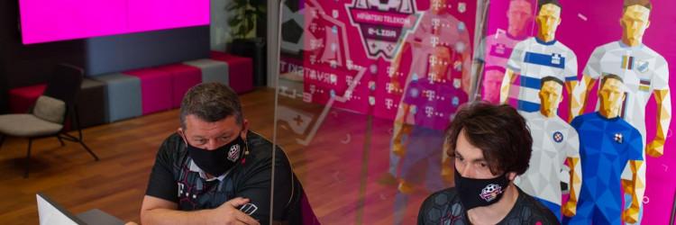 Projekt Hrvatski Telekom e-Liga nastao je u suradnji s tvrtkom Good Game Global, dok su partneri projekta, uz klubove Dinamo, Hajduk, Rijeka i Osijek, Samsung i Sofa Score