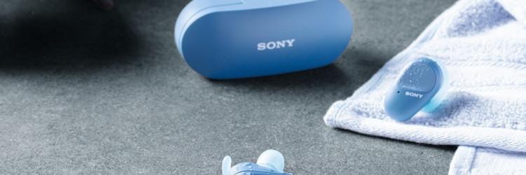 Model WF-SP800N bit će dostupan od srpnja 2020. u crnoj, bijeloj, narančastoj i plavoj boji, uz preporučenu maloprodajnu cijenu od 1.553,00 HRK