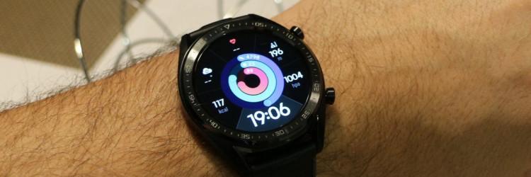Otkad je pušten u prodaju HUAWEI Watch GT dobio je brojne pohvale medija i korisnika među kojima se ističe nekoliko pohvala za tehnološke značajke, a posebno ona za trajanje baterije