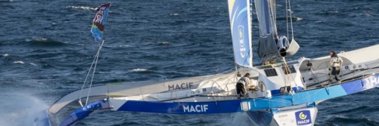 Gabart je aktualni svjetski rekorder u samostalnom oplovljavanju svijeta jedrilicom: 2013. pobijedio je (s drugim brodom) u uglednoj utrci Vendee Globe