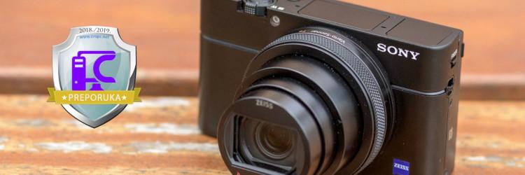 Negdje 2012. godine Sony je predstavio RX100 fotoaparat koji je u kompaktnom kućištu trebao ponuditi performanse i mogućnosti daleko profesionalnijih rješenja