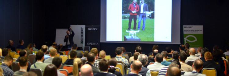 Publika je sa zanimanjem popratila uvodno predavanje na kojem je domaći poduzetnik Nenad Bakić na malo drugačiji način predstavio projekt Croatian Makers
