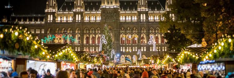 Oni koji svojim božićnim čestitkama žele dati originalan blagdanski štih mogu svratiti u adventski poštanski ured u vijećnici po unikatnu poštansku marku i žig izrađene posebno za ovogodišnji sajam