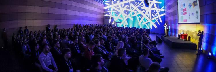 Nakon otvaranja sudionici su mogli odabrati između predavanja koja su se paralelno održavala u 5 dvorana Centra