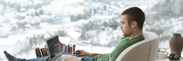 Vip Trio paket uključuje neograničeno surfanje superbrzim kućnim internetom i telefoniranje prema svim fiksnim mrežama i Vip mobilnoj mreži u Hrvatskoj bez naknade za uspostavu poziva