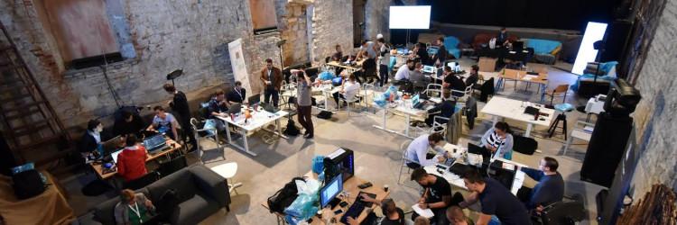 Ove godine kao suorganizator pridružio se i Inovativni Zadar koji po prvi puta donosi unconference rasprave, neformalne diskusije o aktualnim temama u kojima svoj doprinos daje i publik