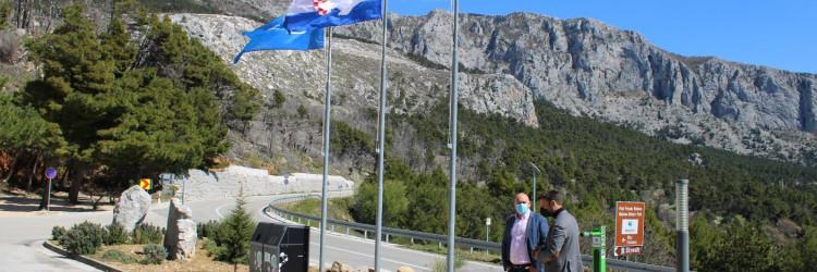 Pametni spremnici za otpad koje je donirala A1 Hrvatska nalaze se na samom ulazu u Park prirode Biokovo ispred recepcije
