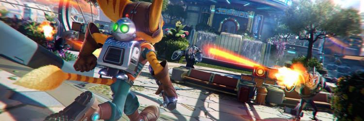Igrači se s Ratchet & Clankom druže ekskluzivno na Sonyjevim konzolama od kraja 2002. godine, a novu igru, osim ako ne računamo blagi reboot originala iz 2016. godine, igrači nisu vidjeli gotovo deset godina. Insomniac Games je svoju novu igru prvi put pokazao kada je Sony pokazao prvu turu igara za PlayStation 5 prošle godine u lipnju, a mnogi su se nadali da će izaći zajedno s novom konzolom. To se nije dogodilo, ali su sada konačno objavili datum izlaska.  Ratchet & Clank: Rift Apart će izaći 11. lipnja ekskluzivno za PlayStation 5, a uz datum izlaska dobili smo detalje o verzijama igre koje stižu. Igrači koji odrade predbilježbe za običnu verziju dobit će uz igru rekreiran oklop koji će biti poznat fanovima serijala, kao i oružje za korištenje. Carbonox oklop su igrači prvi put mogli vidjeti 2003. godine u Ratchet & Clank: Going Commando, dok je Pixelizer oružje iz reboota iz 2016. godine. Oba dodatka su naravno dorađena i uljepšana za PS5 verziju gre.     Druga opcija je Digital Deluxe Edition koja uz spomenuto uključuje pet setova oklopa, stickere za Photo mod, 20 Raritaniuma (materijali za nadogradnju koji koristite u igri), digitalni soundtrack i artbook. Obje verzije moguće je nabaviti već danas putem PSN trgovine. Prva će vas koštati 599 kuna, a druga 679 kuna. Posebnost za hrvatsko tržište je da će igra biti lokalizirana i prevedena, pa tko bude htio moći će uključiti titlove i koristiti izbornike na našem jeziku.  Ratchet & Clank: Rift Apart donosi potpuno novu priču, pa tim kaže da je igra idealna i za one koji nisu nikad zaigrali neki naslov iz serijala, dok će dugogodišnji fanovi pronaći poveznice s prijašnjim igrama. Zli Dr. Nefarious je napravio uređaj s kojima može otvarati portale u različite dimenzije i pronaći one u kojima uvijek pobjeđuje, što Ratchet i Clanka razdvoji. Cilj ih je opet ujediniti, a na svojem putovanju će upoznati novu Lombaxicu, kojoj tim još ne želi otkriti ime. Uz poznate i nove lokacije, bit će novih oružja i vještina, kao i