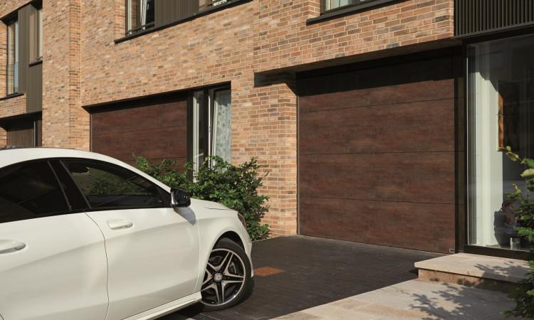 Duragrain je posebno razvijena završna zaštita garažnih vrata koja dolazi s dodatna dva sloja zaštite koja je izuzetno otporna i UV stabilna